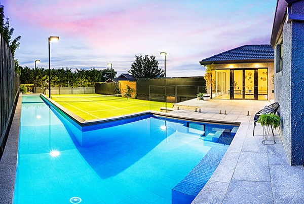 custom-pool-kew